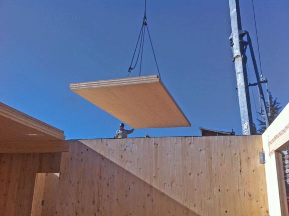 Costruzione in x lam posa solaio xlam italia pannelli for Piano di costruzione dell edificio